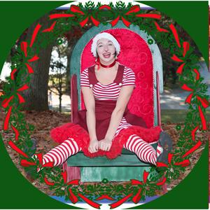 Elf-Sitting-Wreathx300.png